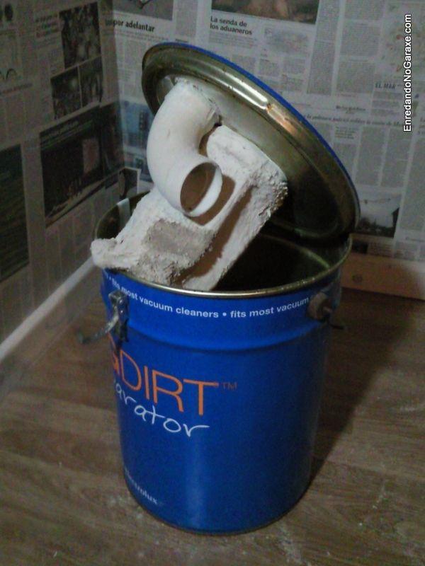 Cubo separador sistema de aspiración con el filtro sucio