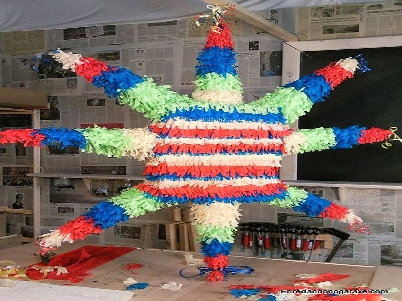 Piñata con flecos de papel pinocho. enredandonogaraxe.club