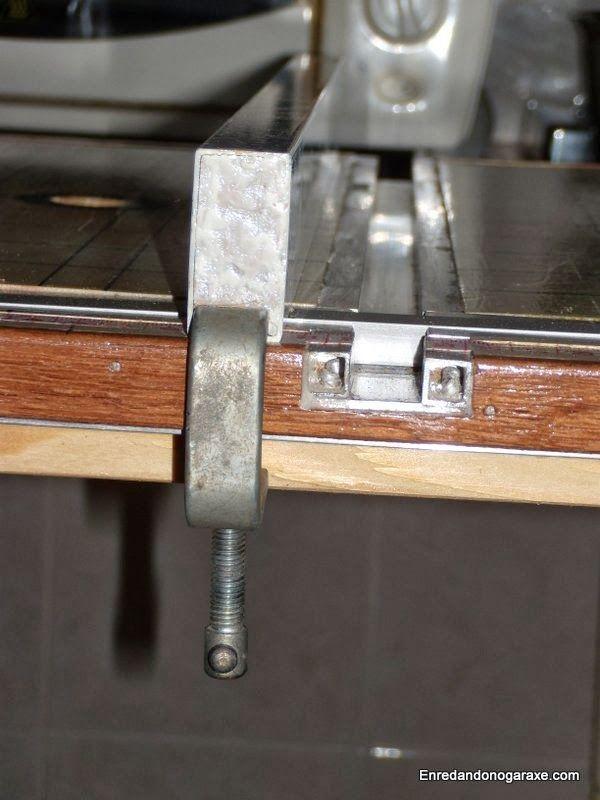 Carril de aluminio y guía lateral de la sierra de mesa. enredandonogaraxe.club