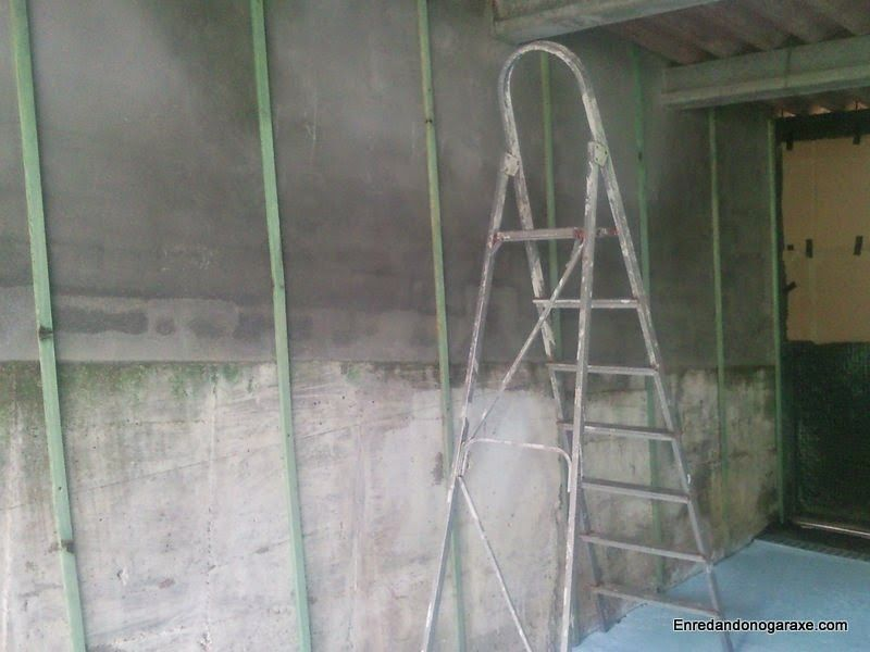 Atornillar listones a la pared. enredandonogaraxe.club