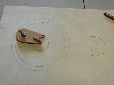 Compás para trazar círculos pequeños. enredandonogaraxe.club