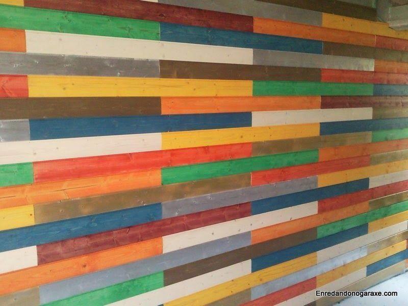 Colocar friso machihembrado de madera pintado de colores