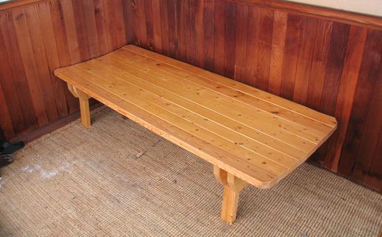 Banco de madera para el porche. enredandonogaraxe.club