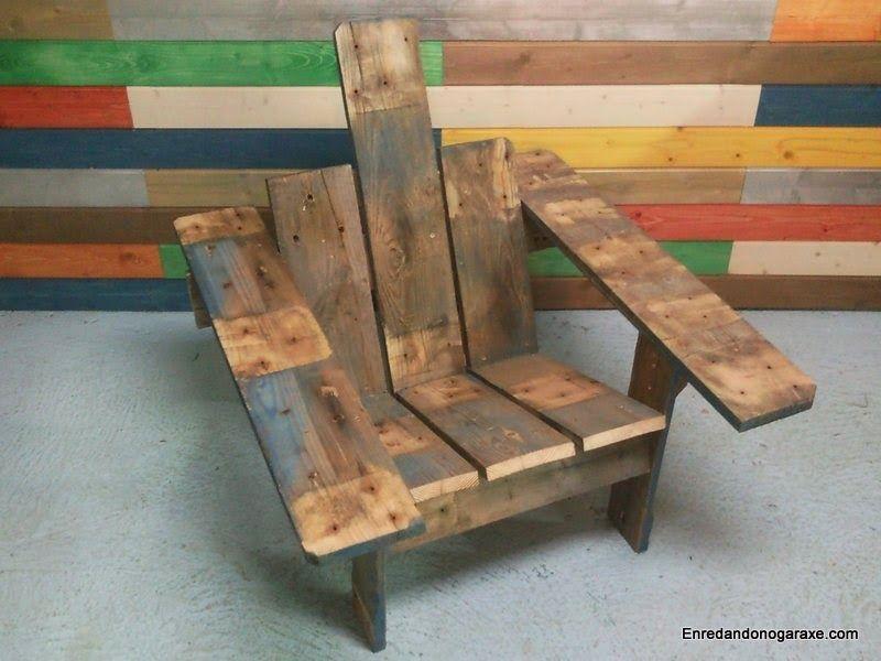 Silla de jardin Adirondack hecha de madera de palet