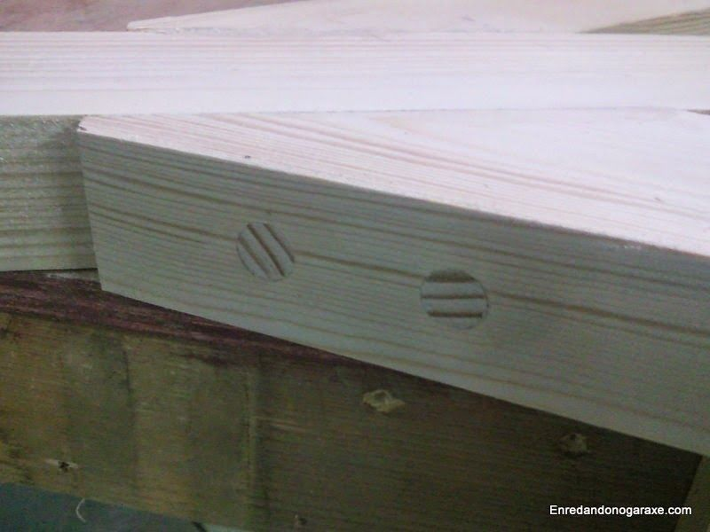 Ocultar tornillos con espigas de madera