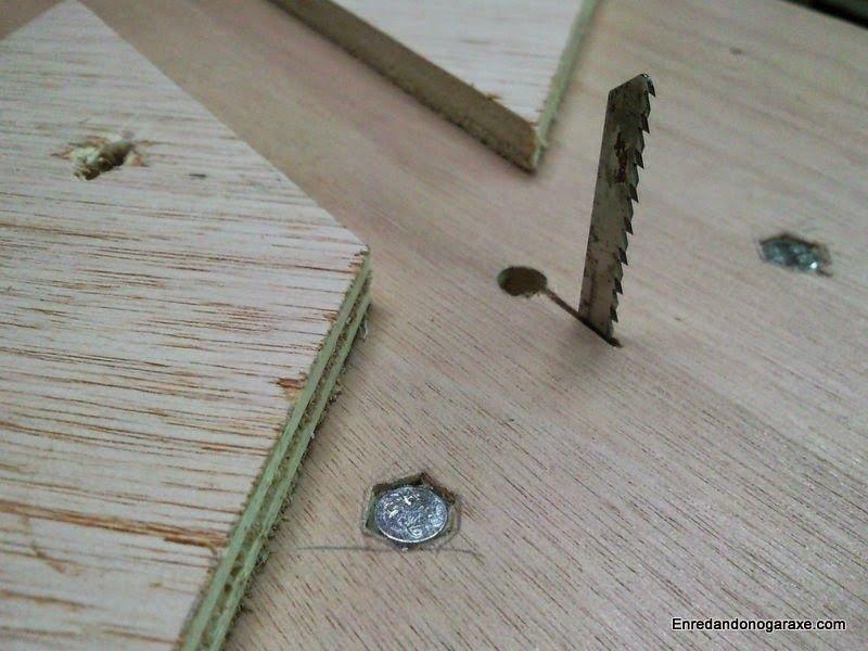 Ajustar la ranura para cortes limpios con al hoja de corte de calar. enredandonogaraxe.club