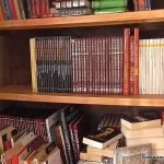 Cómo reforzar estantes de armarios para libros