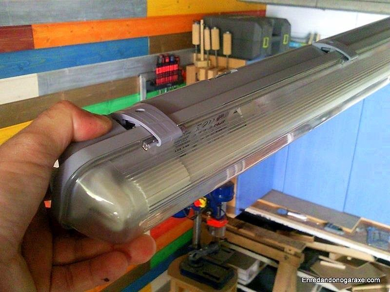 Put a led tube into a fluorescent lamp
