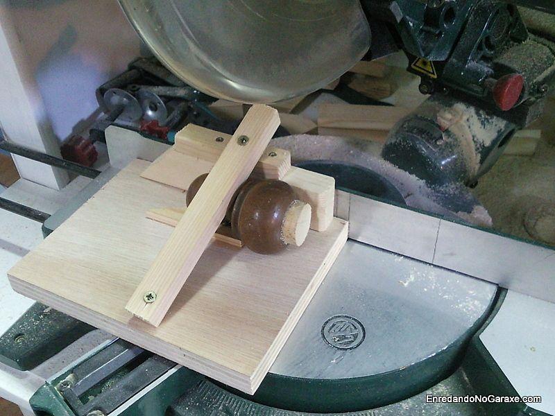 Guía para cortar piezas pequeñas en la ingletadora