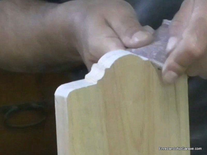 Lija ruesa para ajustar los cortes de la moldura