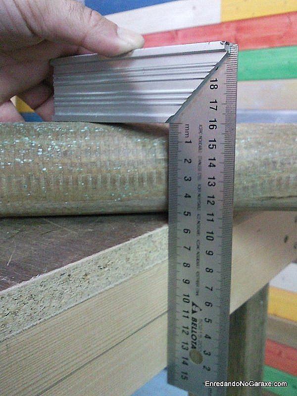 Medir el diámetro de un poste de madera