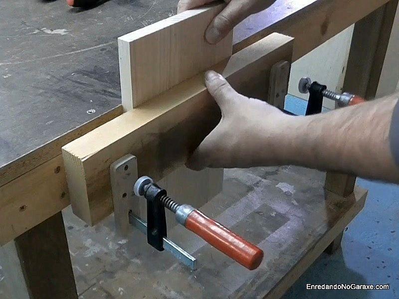 Cómo hacer un tornillo de apriete de banco de carpintero