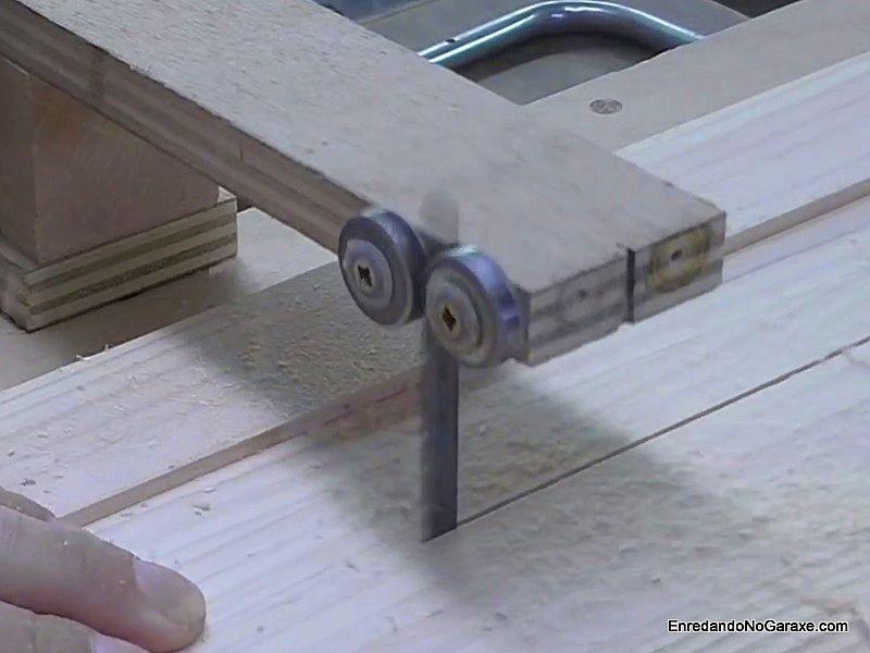 Cortar recto al hilo en madera maciza de pino