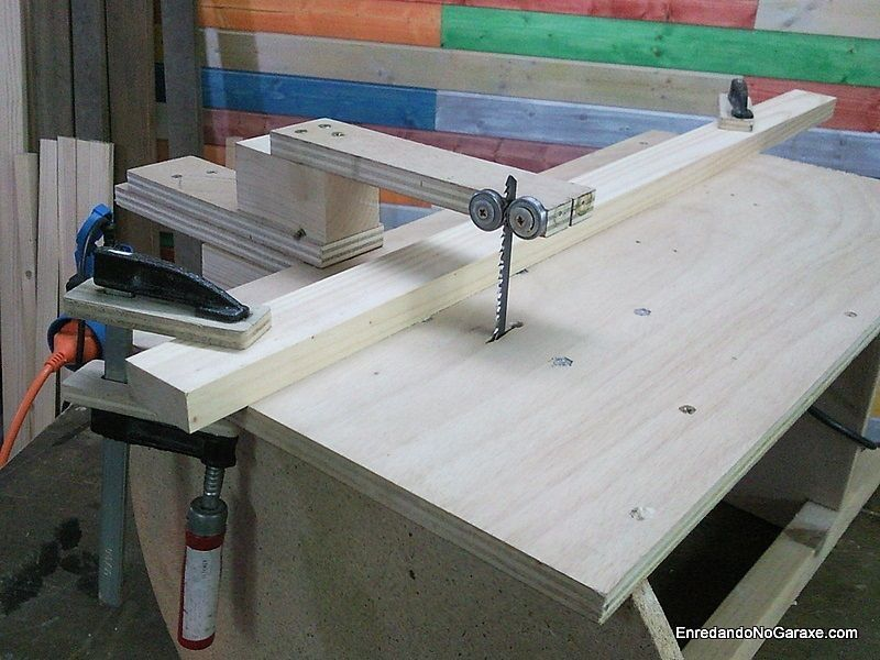 Guía para cortar recto con la sierra caladora de mesa casera