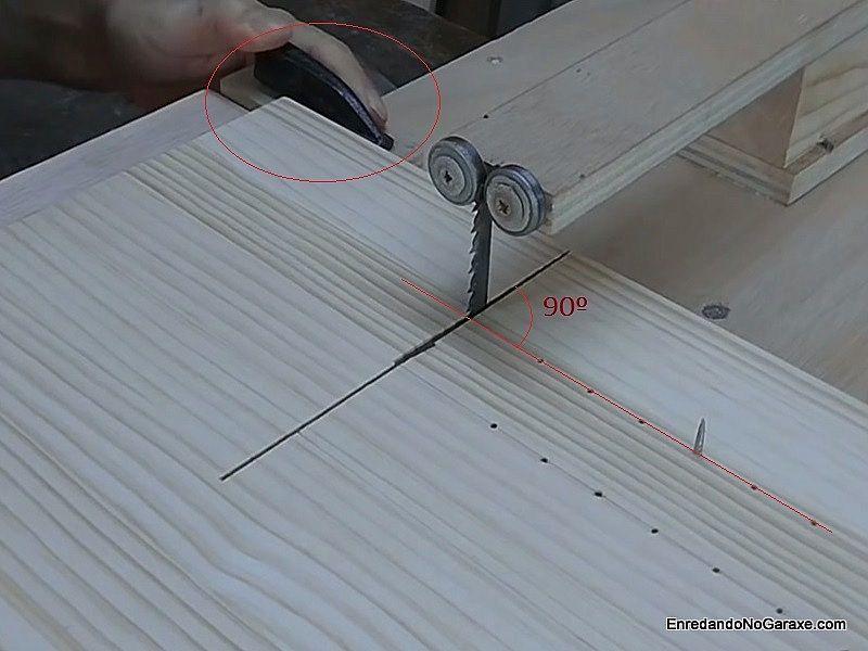 Utilizar la guía para cortar círculos de madera