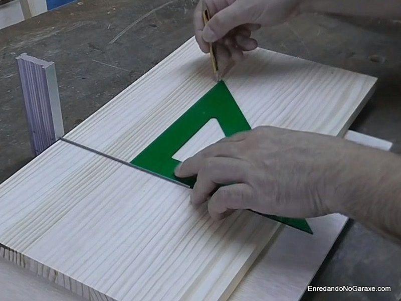 Dibujar unas líneas perpendiculares a la ranura
