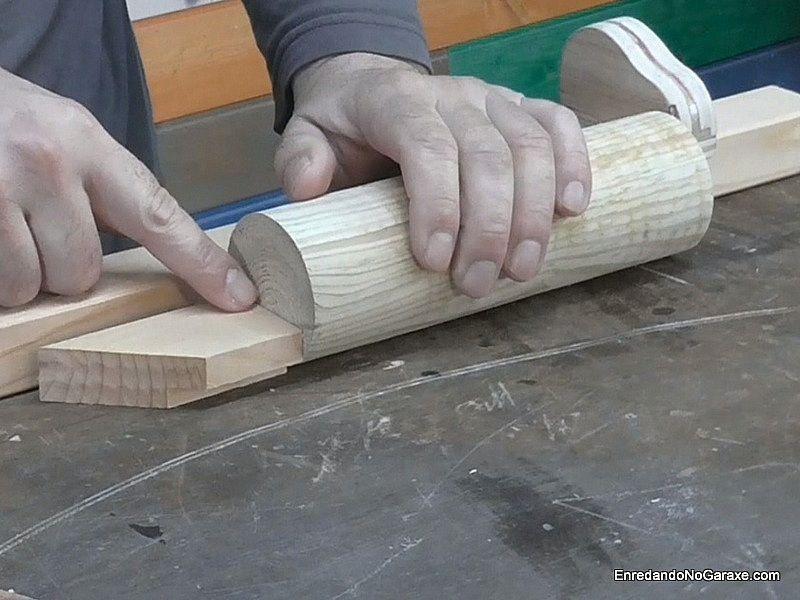 Taco menor que la mitad del diámetro del cilindro de madera