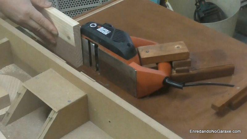 Cómo cepillar tablas más anchas que el cepillo eléctrico