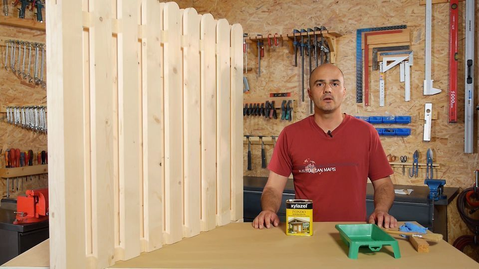 How to protect and apply stain to an outdoor wooden fence