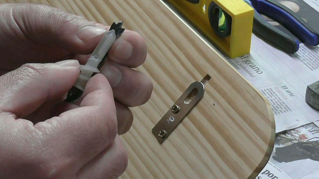 Broca para taladrar agujero para taco de nylon