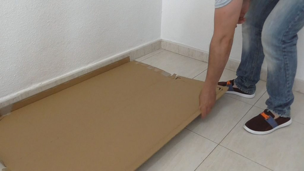 Cómo proteger el suelo con cartón