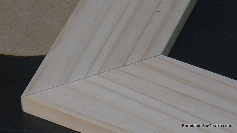 Cortar uniones a inglete con la sierra de mesa
