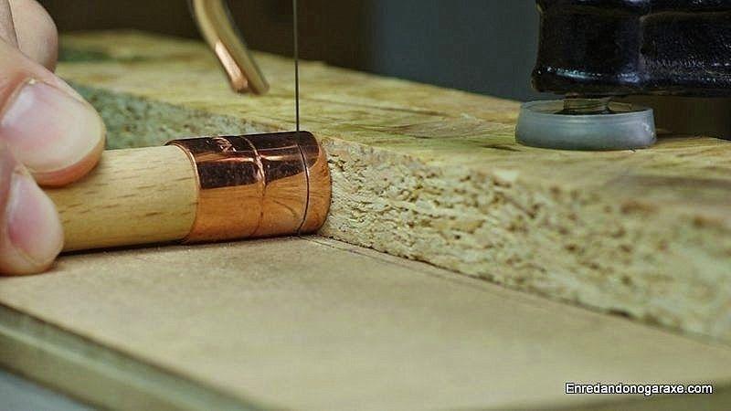 Cortar un trozo de tubo de cobre