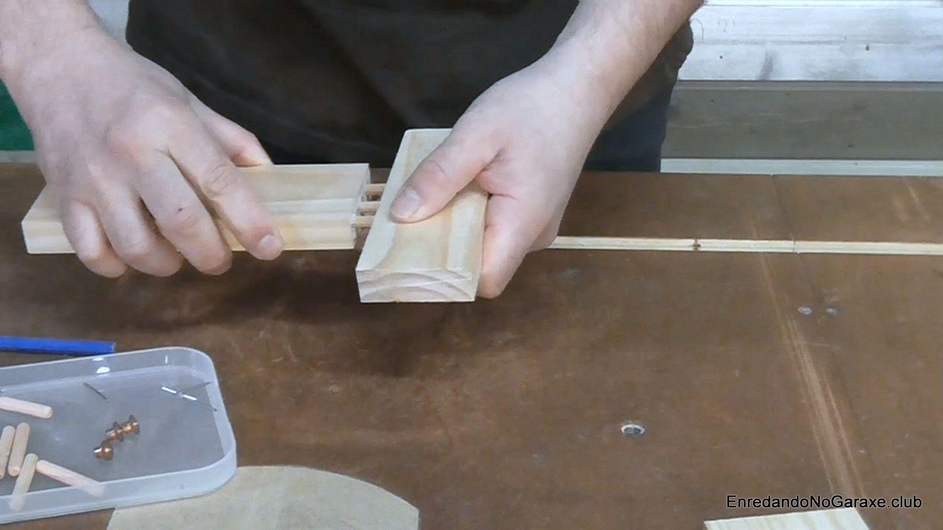 Unir con tubillones las piezas de madera
