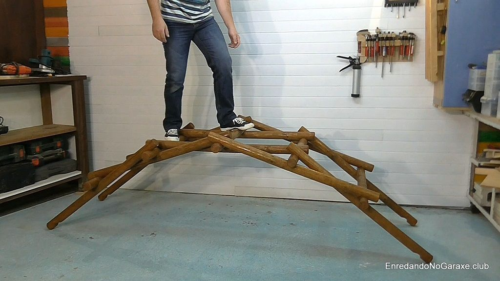 How to make the Leonardo Da Vinci bridge
