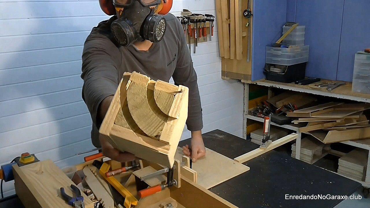 Fresar cuarto de círculo en la cabeza de los listones