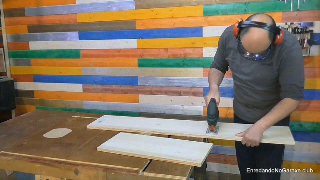 Pre cortar la madera con la sierra de calar