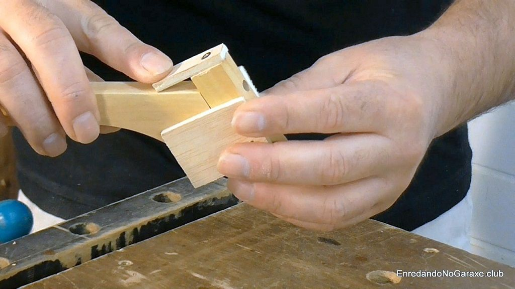 Guía para taladrar agujeros para tubillones
