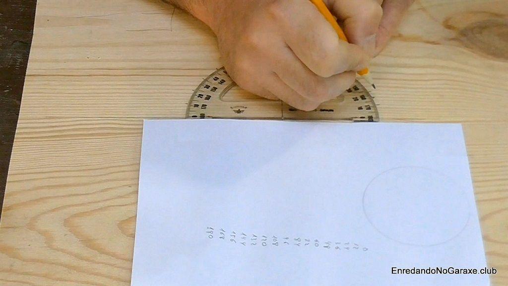 Marcar ángulos con el transportador de ángulos