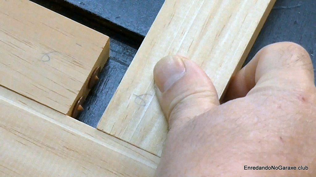 Marcar donde hacer los agujeros para los tubillones