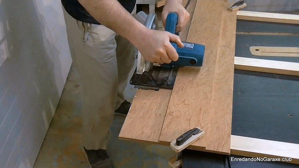 Ajustar con la guía para cortar con la sierra circular