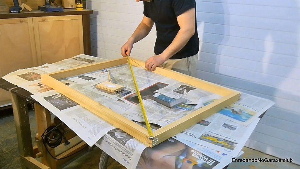 Encolar las partes del marco de ventana