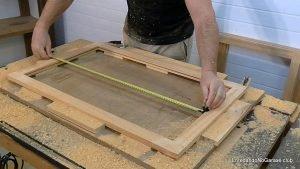 Medir el tamaño del panel de la puerta