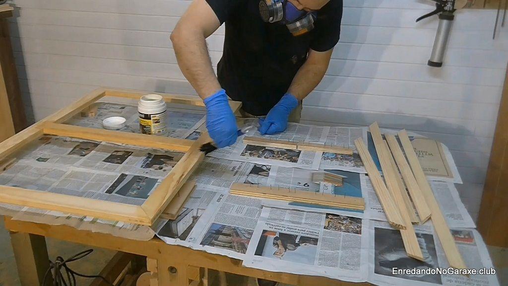 Proteger las ventanas de madera contra humedad y carcoma