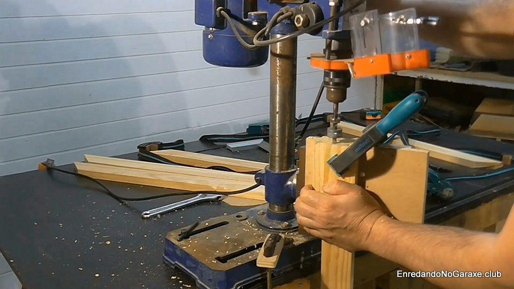 Taladrar agujeros para espigas de madera