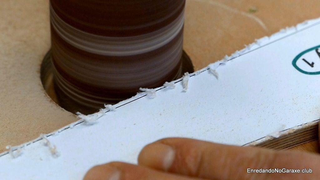 No lijar las rectas hasta la línea con lijadora tambor
