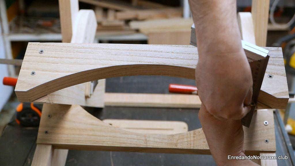 Marcar las esquinas a cortar de las patas traseras