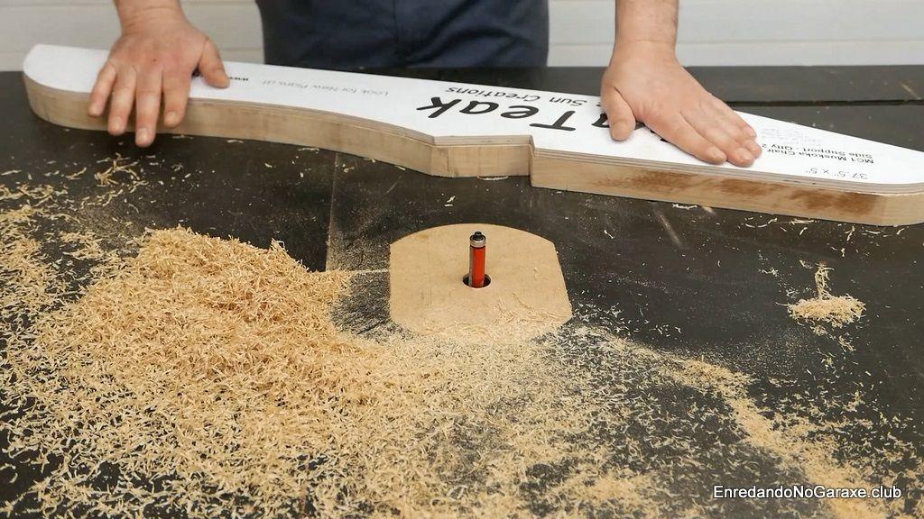 Pegar las plantillas en las piezas a fresar