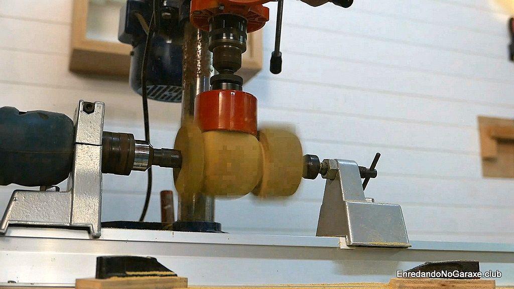 Aquí vemos como la madera ya va cogiendo forma de bola