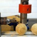 Cómo hacer bolas de madera con el torno