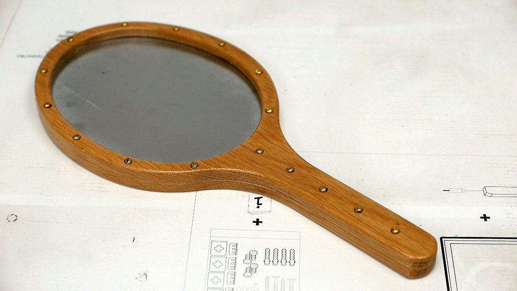 How to make a wooden hand mirror