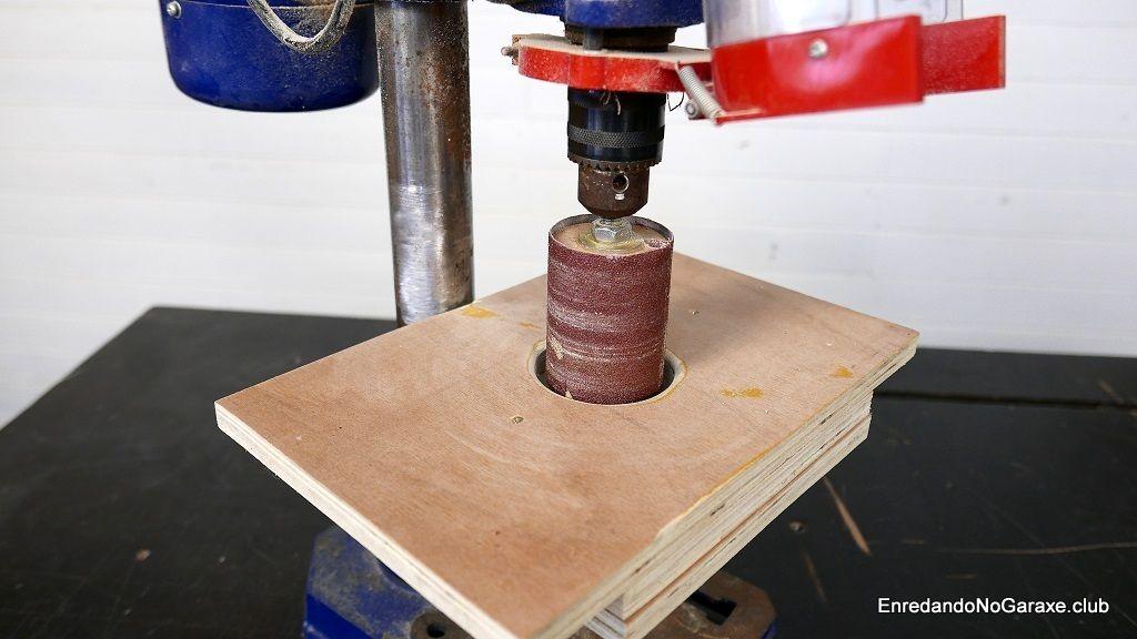 Mesa de lijado para el taladro de columna