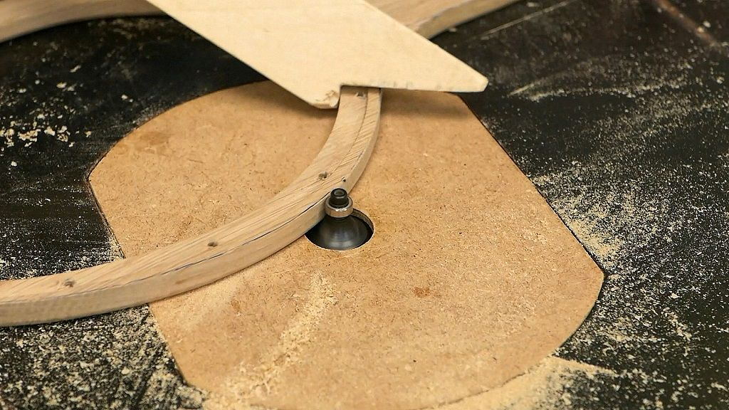 Redondear los bordes del marco de madera