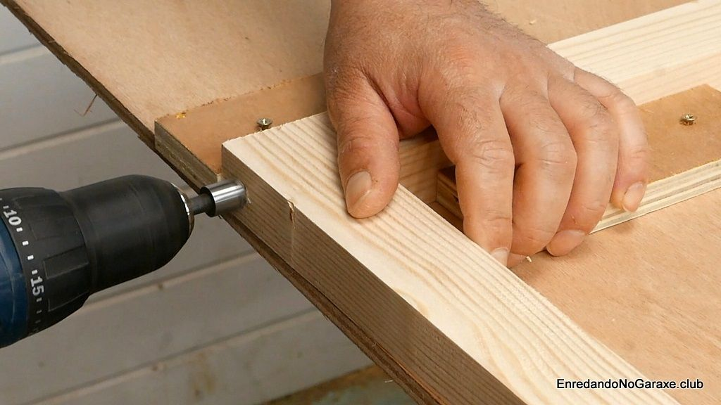 Avellanar para acomodar la cabeza de los tornillos para madera