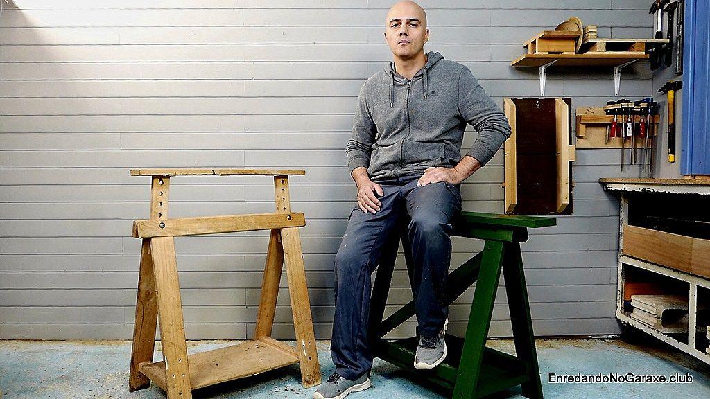 Wooden easel for carpentry workshop