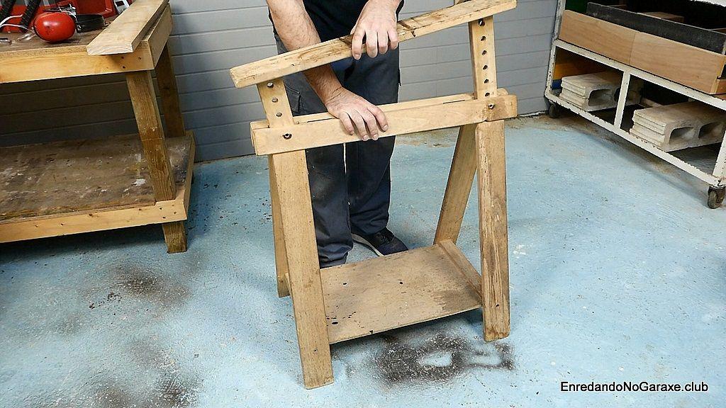 Desmotar la parte superior del caballete de madera